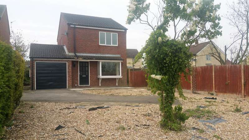 3 Bedrooms Detached House for sale in Castle View, Walcott, Lincoln, LN4 3TB