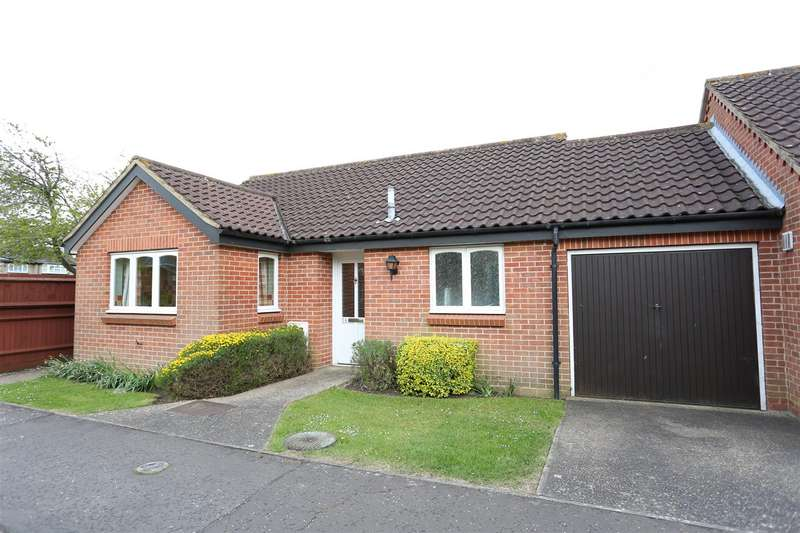 2 Bedrooms Property for sale in Sheraton Close, Headlands, Northampton