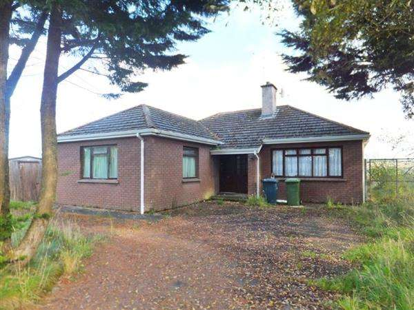 3 Bedrooms Bungalow for sale in 7 Slattinagh Road