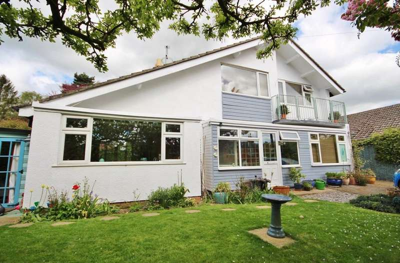 3 Bedrooms Detached House for sale in Well Street, Langham