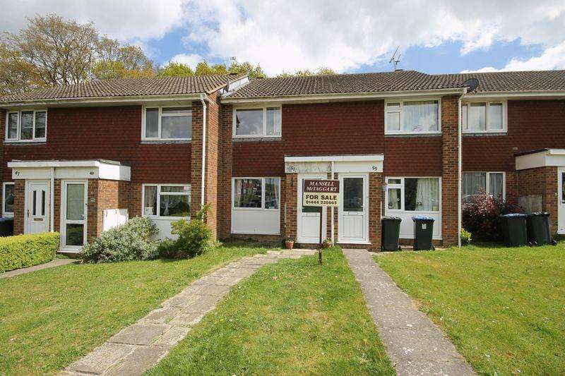 2 Bedrooms Terraced House for sale in Burdocks Drive, Burgess Hill, West Sussex