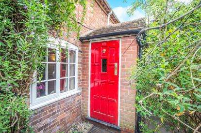 2 Bedrooms Terraced House for sale in Banbury Road, Stratford-Upon-Avon, Stratford Upon Avon, Warwickshire