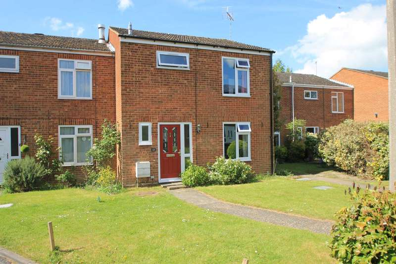 3 Bedrooms Terraced House for sale in Elizabeth Drive, Tring
