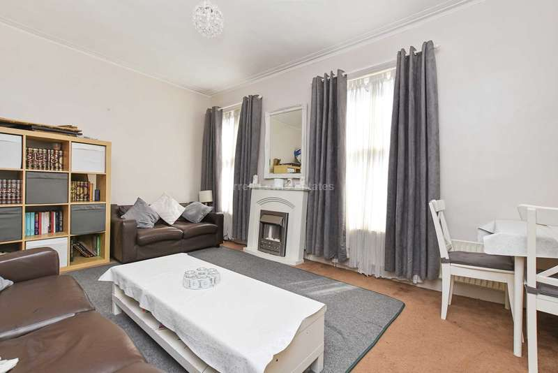 2 Bedrooms Flat for sale in York, Acton, W3 6TP