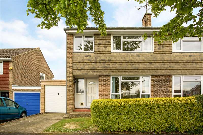3 Bedrooms Semi Detached House for sale in Gorse End, Horsham, West Sussex, RH12