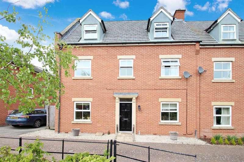 4 Bedrooms Town House for sale in Spalding Lane, Grange Farm, Kesgrave, Ipswich