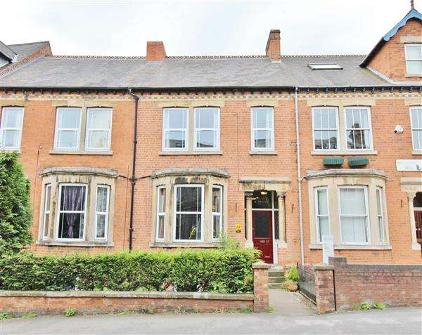 5 Bedrooms Property for sale in Avenue Road, Grantham