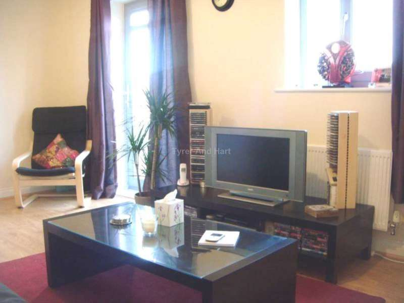 4 Bedrooms House Share for rent in Holdsworth Drive, Liverpool