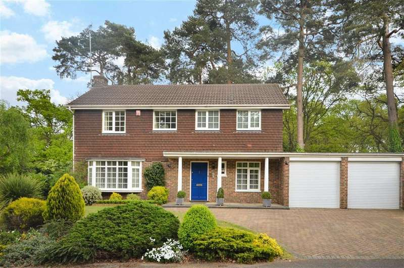 4 Bedrooms Property for sale in Longhope Drive, Farnham