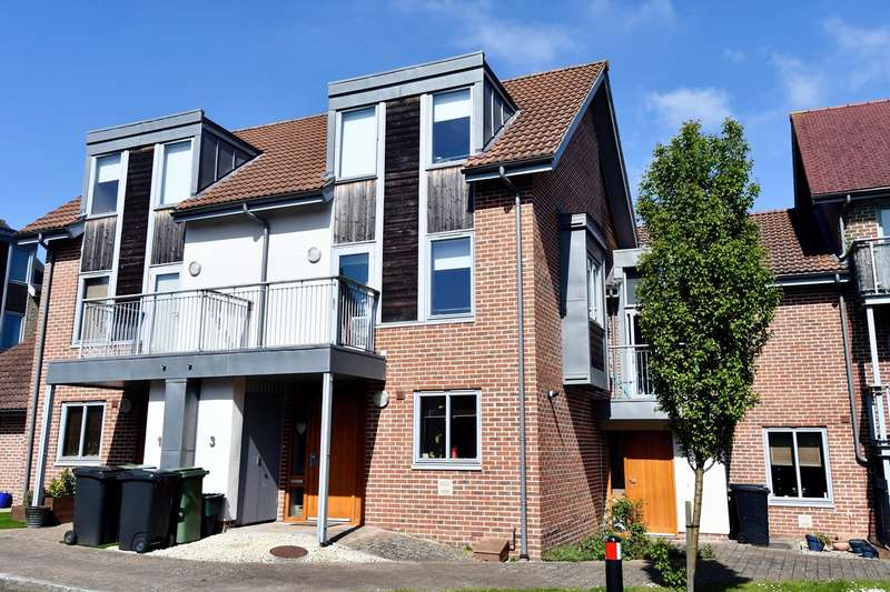 4 Bedrooms Town House for sale in Mailing Way, Limes Park, Basingstoke, RG24