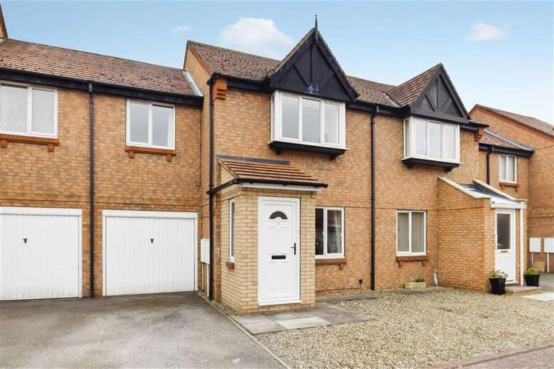 3 Bedrooms Terraced House for sale in Wash Beck Close, Scarborough, North Yorkshire, YO12
