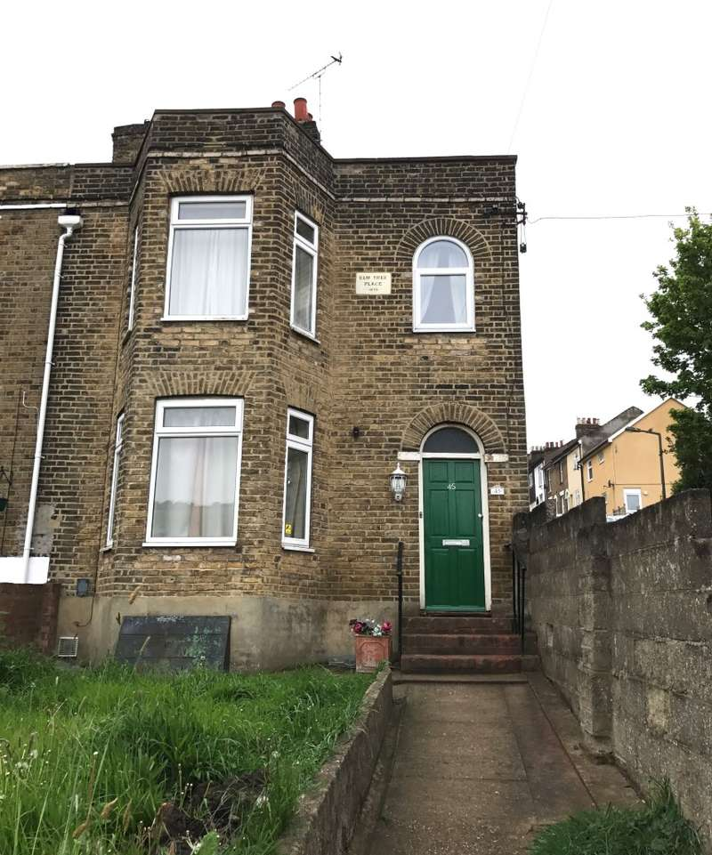 3 Bedrooms End Of Terrace House for sale in Mills Terrace, Chatham, Kent, ME4 5NY