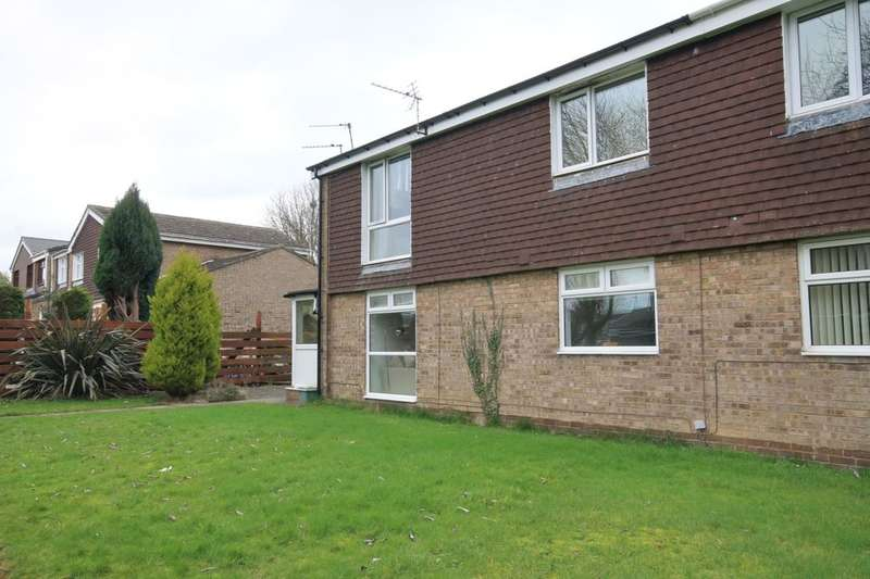 2 Bedrooms Flat for sale in Canterbury Close, Great Lumley, DH3