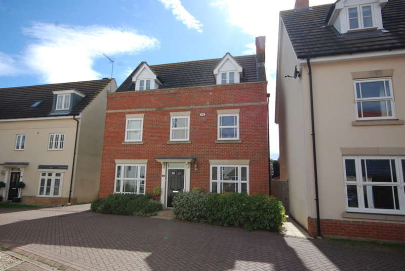 5 Bedrooms Detached House for sale in Taylor Way, Great Baddow, Chelmsford, CM2