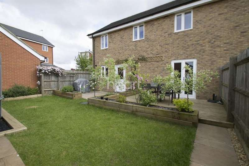 3 Bedrooms Semi Detached House for sale in Broughton Gate