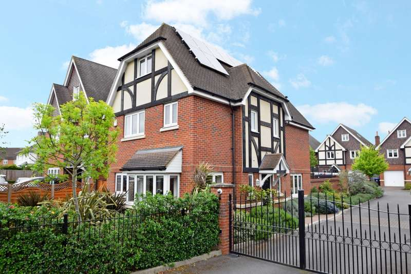 5 Bedrooms Detached House for sale in Winter's Acre, Burnham, SL1