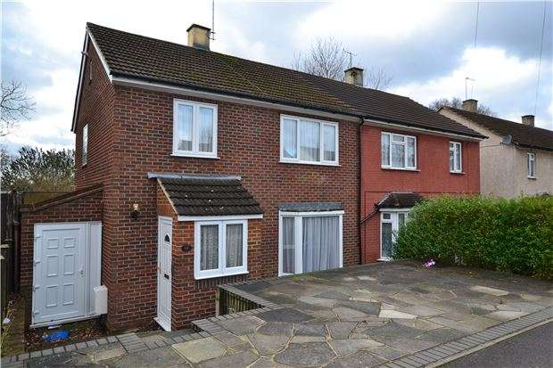 3 Bedrooms Semi Detached House for sale in Ravensbury Road, ORPINGTON, Kent, BR5