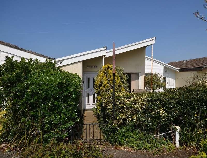 2 Bedrooms Terraced Bungalow for sale in Ellen Close, Mount Hawke, Cornwall