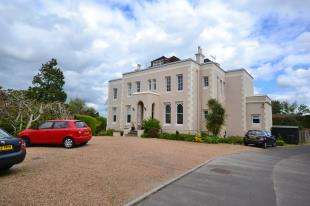 2 Bedrooms Flat for sale in Garstons, High Street, Burwash, Etchingham