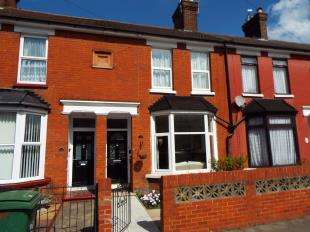 3 Bedrooms Terraced House for sale in Old Tovil Road, Maidstone, Kent