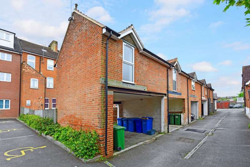 1 Bedroom Maisonette Flat for sale in Lynchford Road, Farnborough, GU14