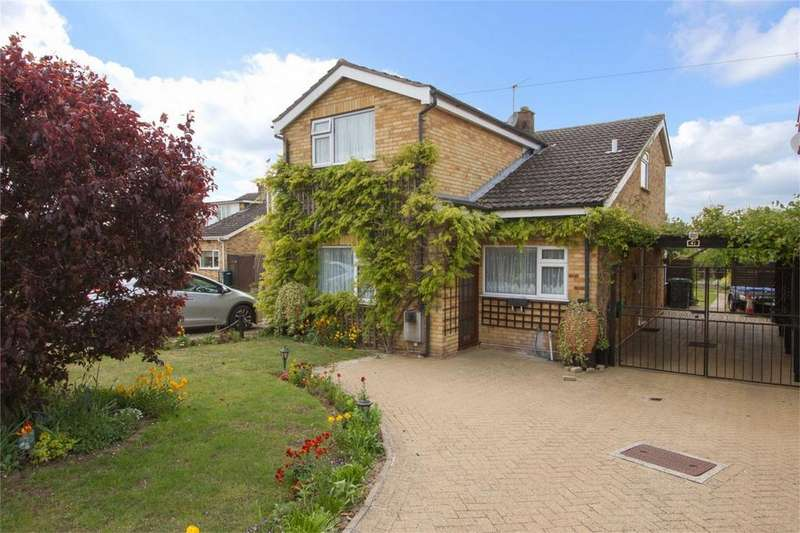 3 Bedrooms Detached House for sale in Kerridges, East Harling, Norfolk