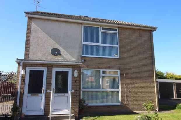 2 Bedrooms Maisonette Flat for sale in Ashley Court, Poulton-Le-Fylde, Lancashire, FY6 7SH