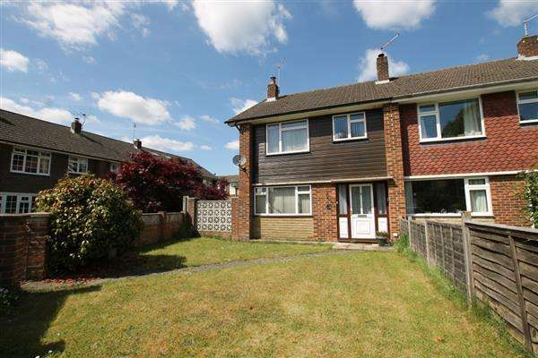3 Bedrooms Semi Detached House for sale in Cricket Lea, Lindford, Bordon