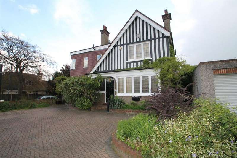 5 Bedrooms Detached House for sale in Upton Road, Bexleyheath, Kent, DA6 8LX