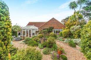 2 Bedrooms Bungalow for sale in Challoners Close, Rottingdean, East Sussex., .
