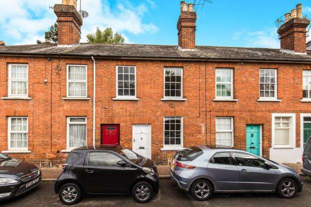 2 Bedrooms Terraced House for sale in Godalming, Surrey