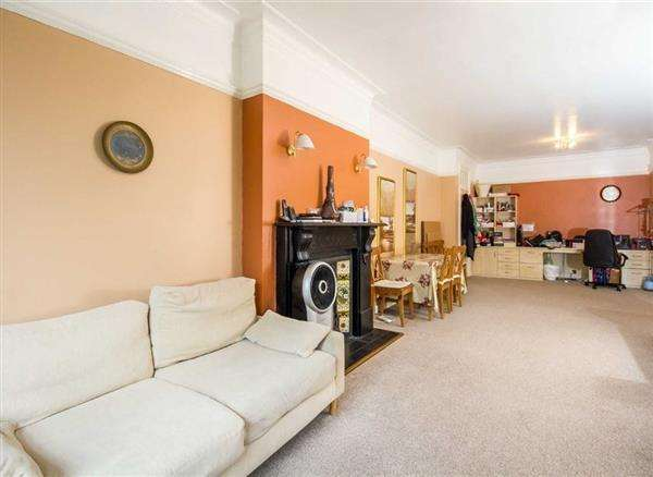 2 Bedrooms Flat for sale in Grove End, St John's Wood, London NW8