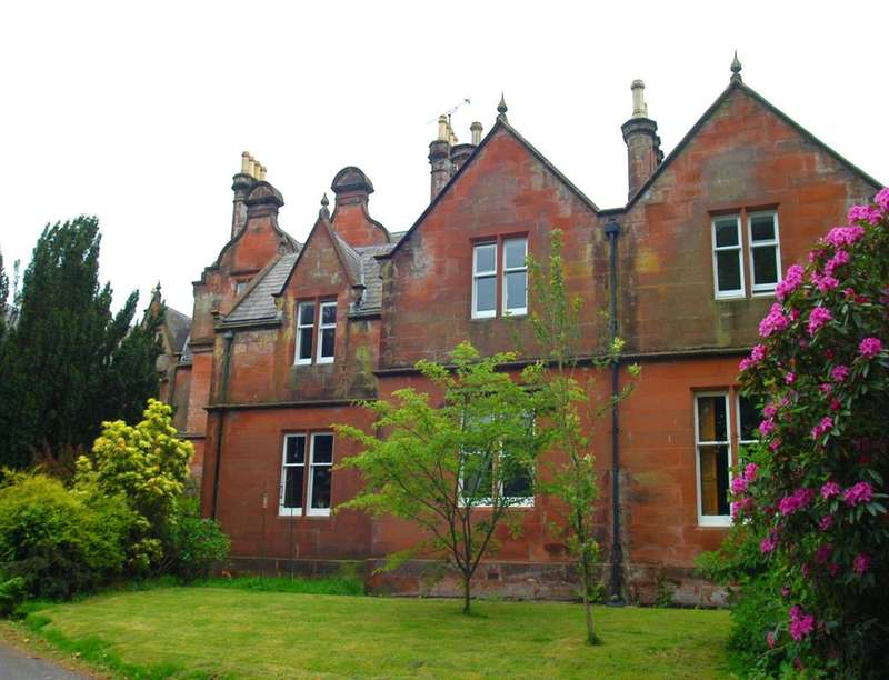 3 Bedrooms Flat for sale in Gribton Hall, Dumfries, DG2