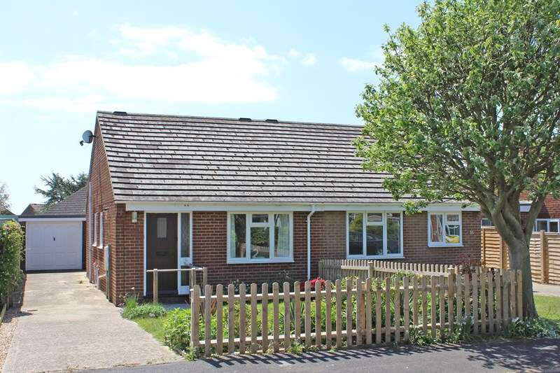 2 Bedrooms Semi Detached Bungalow for sale in Swallow Drive, Milford On Sea, Lymington