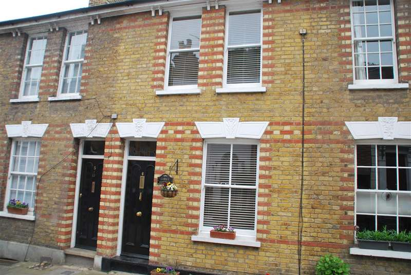 2 Bedrooms House for sale in COBBLE COTTAGE, HIGH STREET, UPNOR