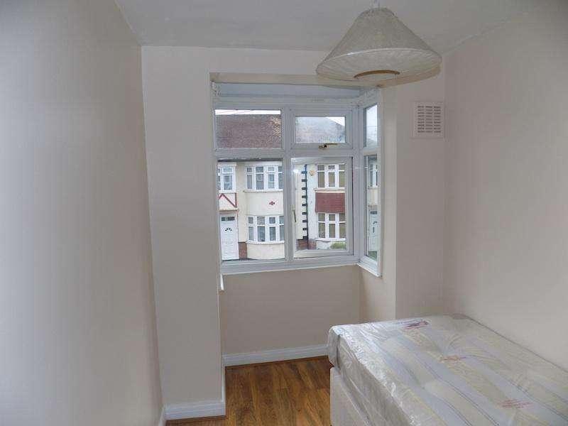 3 Bedrooms Terraced House for sale in Sudbury, Wembley HA0