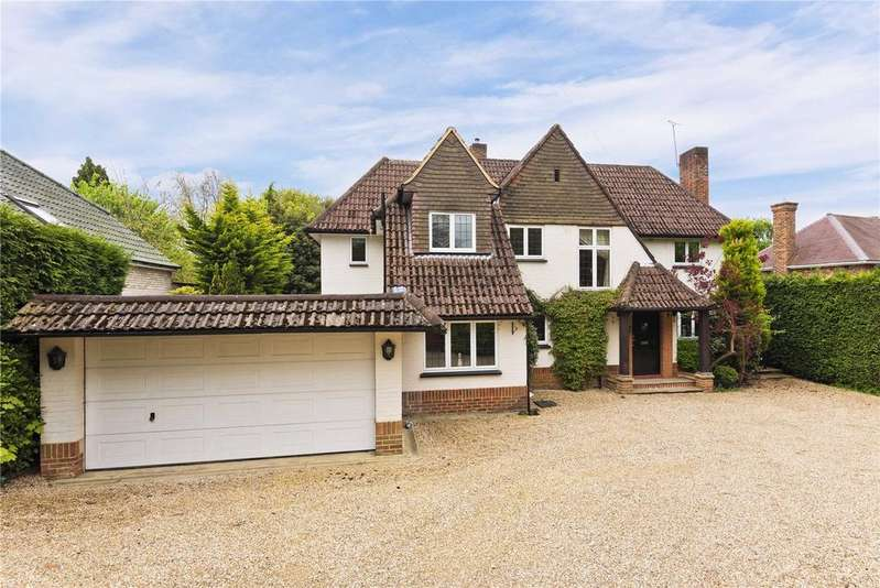 5 Bedrooms Detached House for rent in Park Avenue, Camberley, Surrey, GU15
