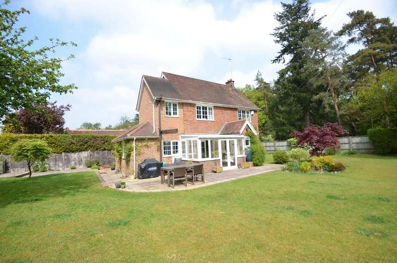 3 Bedrooms Cottage House for sale in Sandy Lane, Rushmoor