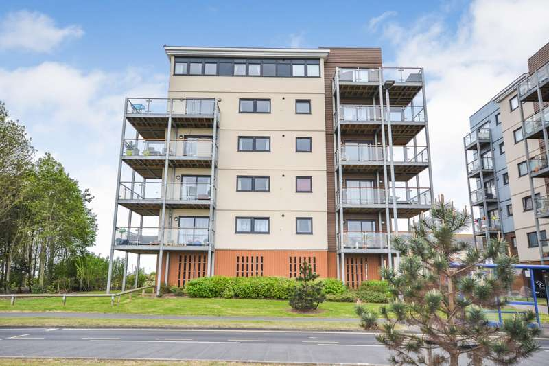 2 Bedrooms Flat for sale in Groombridge Avenue, Eastbourne, BN22