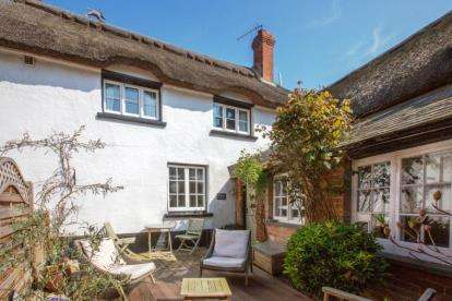 3 Bedrooms Semi Detached House for sale in 2 Bowd Court, Bowd, Sidmouth