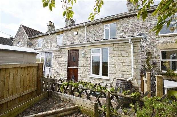 3 Bedrooms Terraced House for sale in Morley Terrace, RADSTOCK, Somerset, BA3 3HU