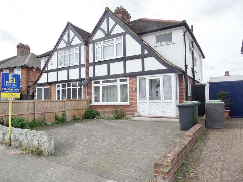 3 Bedrooms Semi Detached House for sale in Waterbank Road, London
