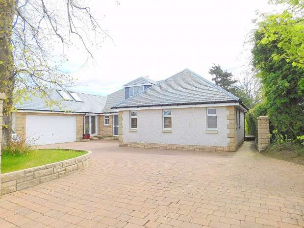 4 Bedrooms Detached House for sale in Garvock Hill, Dunfermline, KY12