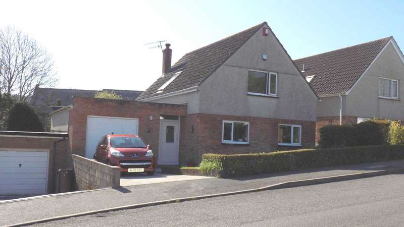 3 Bedrooms Detached House for sale in St Johns Close, Millbrook