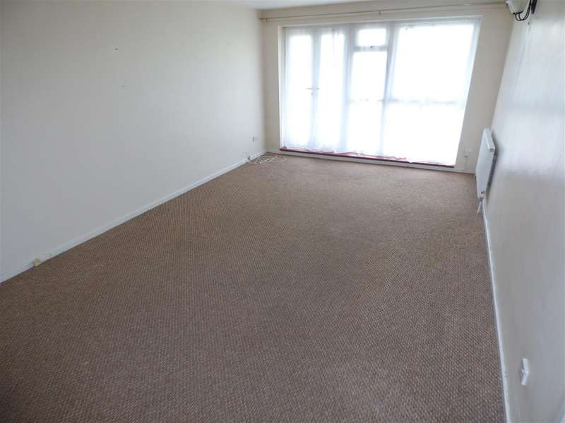 2 Bedrooms Apartment Flat for sale in Staines Square, Dunstable