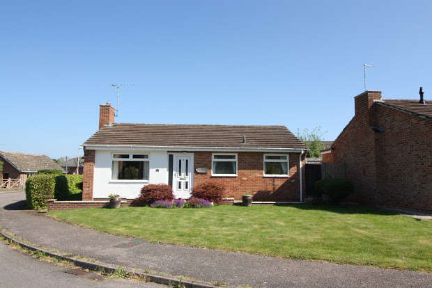 2 Bedrooms Detached Bungalow for sale in Whimple, EXETER, EX5