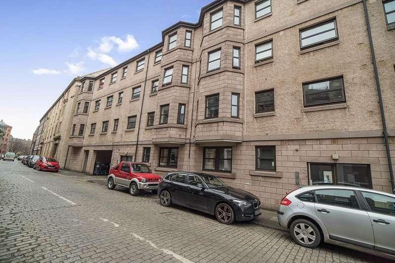 2 Bedrooms Flat for sale in Maritime Street, Edinburgh, EH6
