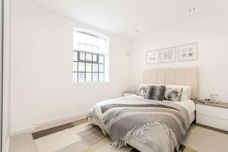 2 Bedrooms House for sale in Hatcham Mews, London, SE14