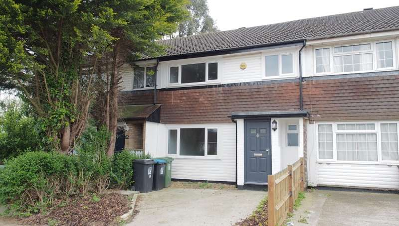 3 Bedrooms Terraced House for sale in The Dart, Cupid Green, Hemel Hempstead, Hertfordshire, HP2 6EW