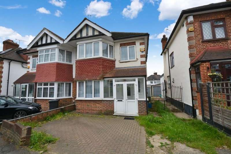 3 Bedrooms Semi Detached House for sale in Rodney Road, Wanstead